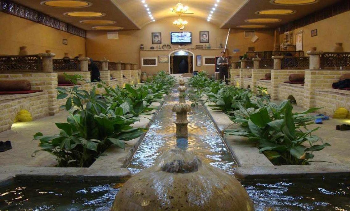 ۱. چشمه های آب گرم شهر محلات