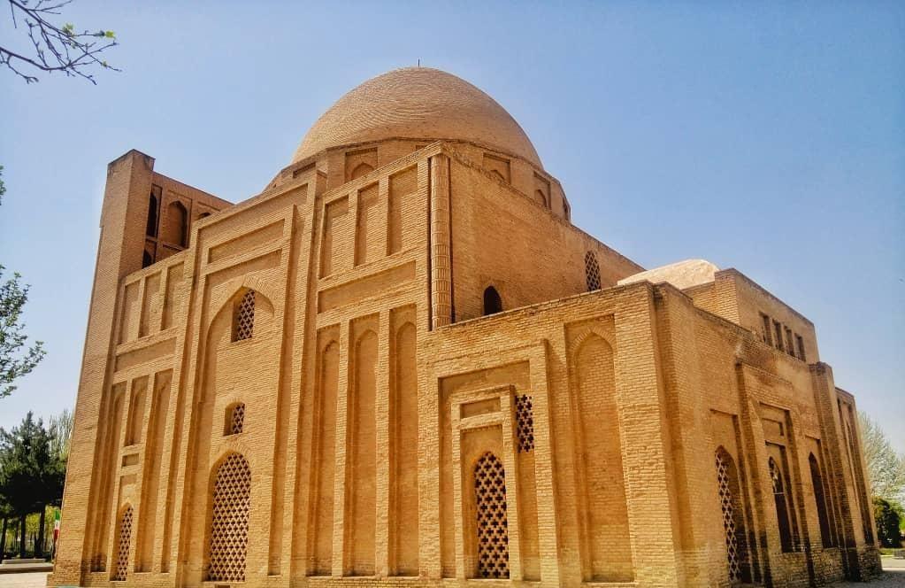 بقعه ی هارونیه ،جاذبه های تاریخی شهر مشهد
