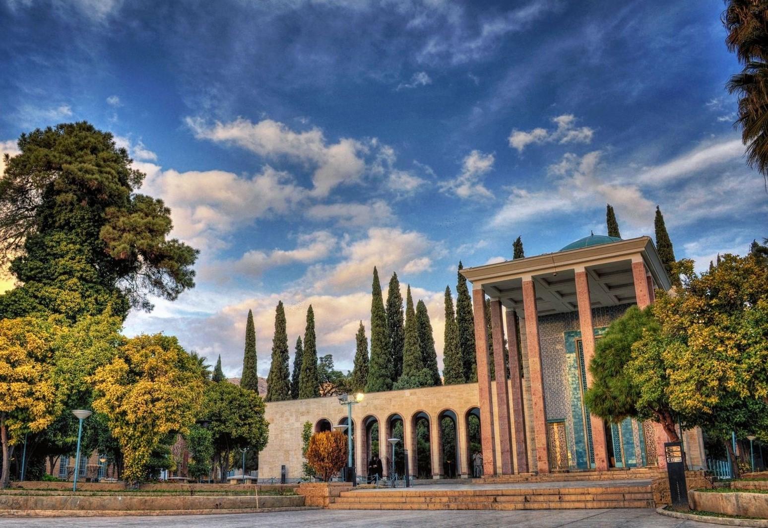 گردشگری آرامگاه سعدی شیراز
