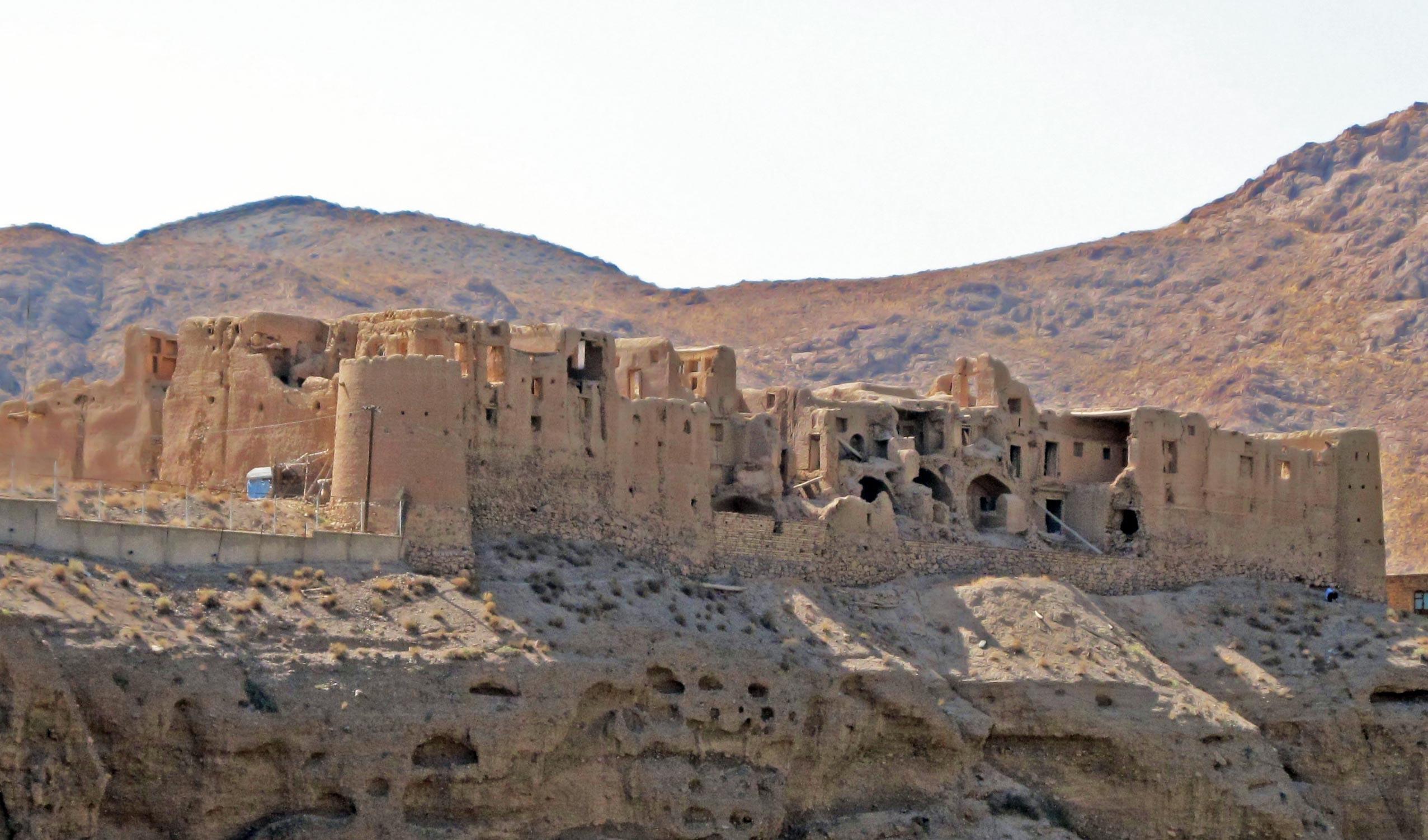 قلعه های روستای ابیانه