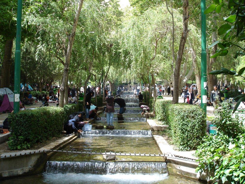پارک سرسبز و چشم نواز سرچشمه محلات