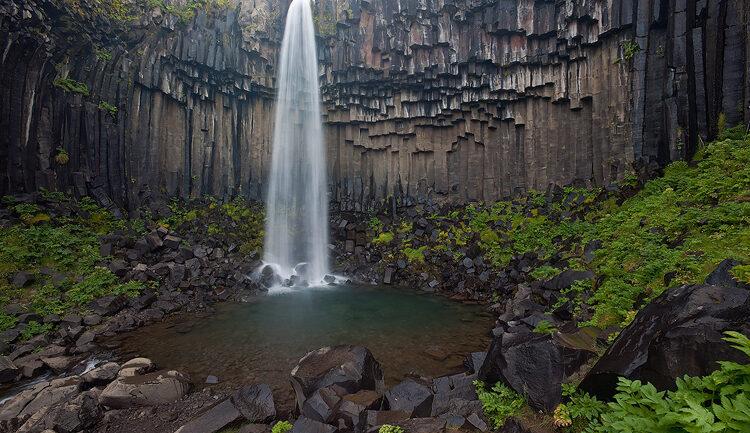 آبشار اسوارتیفوس ایسلند