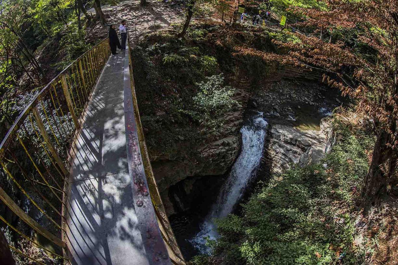 جاذبه گردشگری آبشار ویسادار استان گیلان