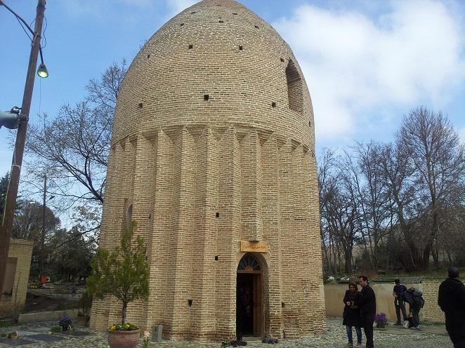 برج مقبره ، جاذبه گردشگری روستای کردان