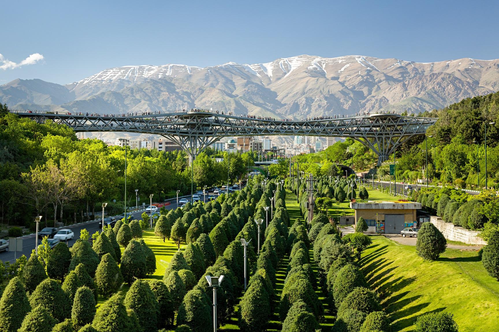 جاذبه گردشگری پل طبیعت تهران