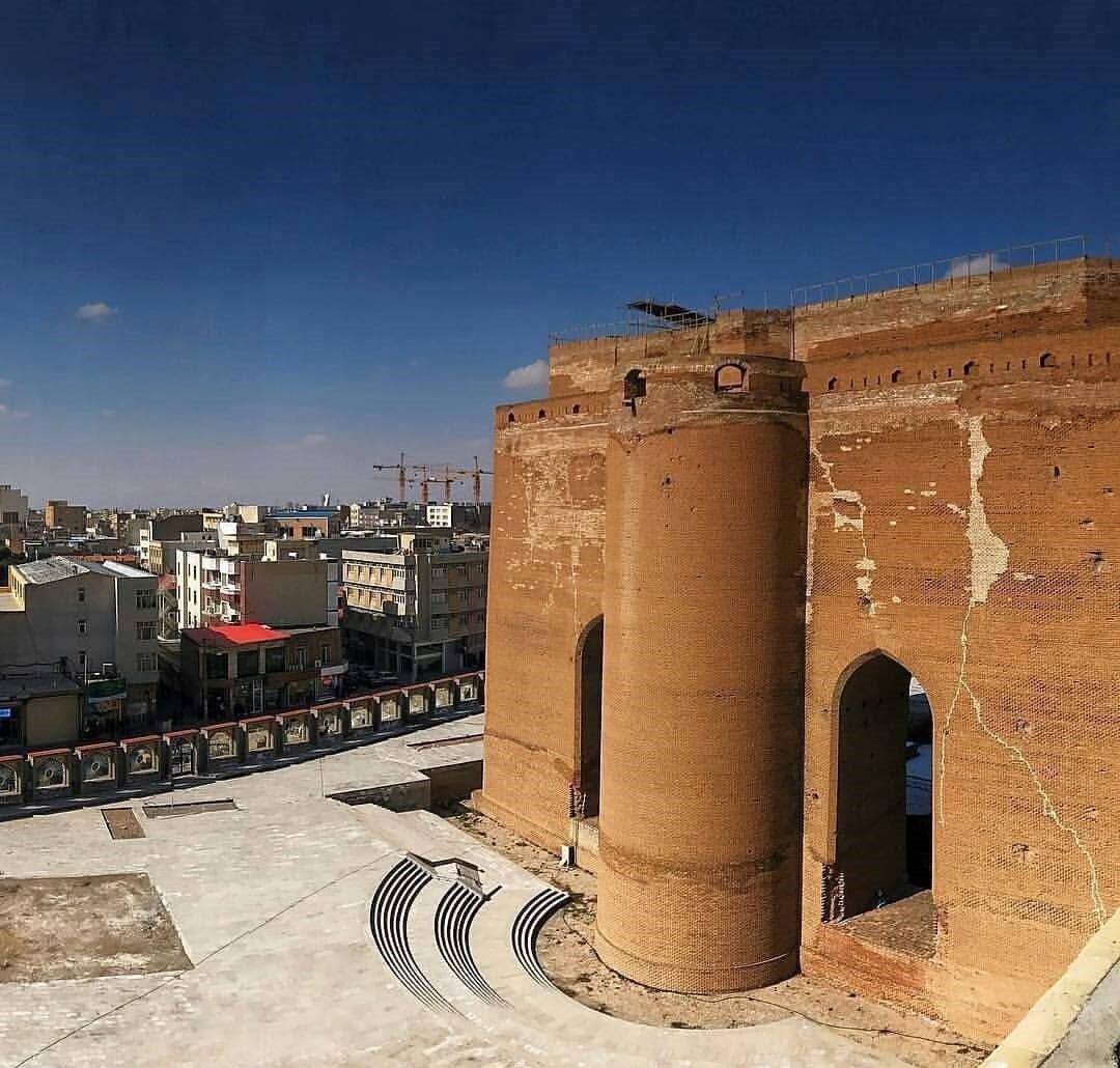 مسجد یا ارگ علیشاه ،جاذبه های گردشگری تبریز
