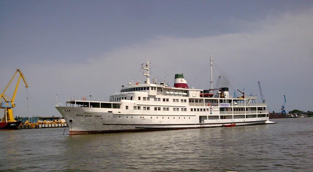 کشتی میرزاکوچک خان جنگلی بندر انزلی