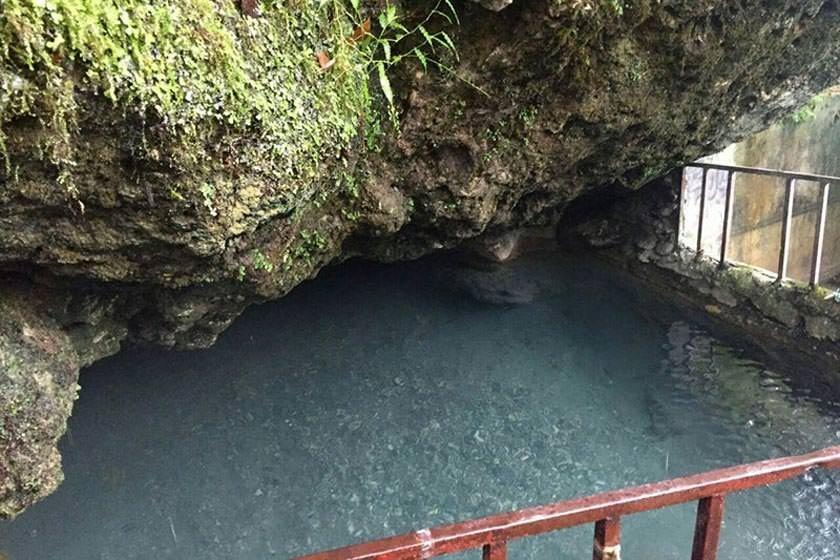 چشمه آب گرم فلکده